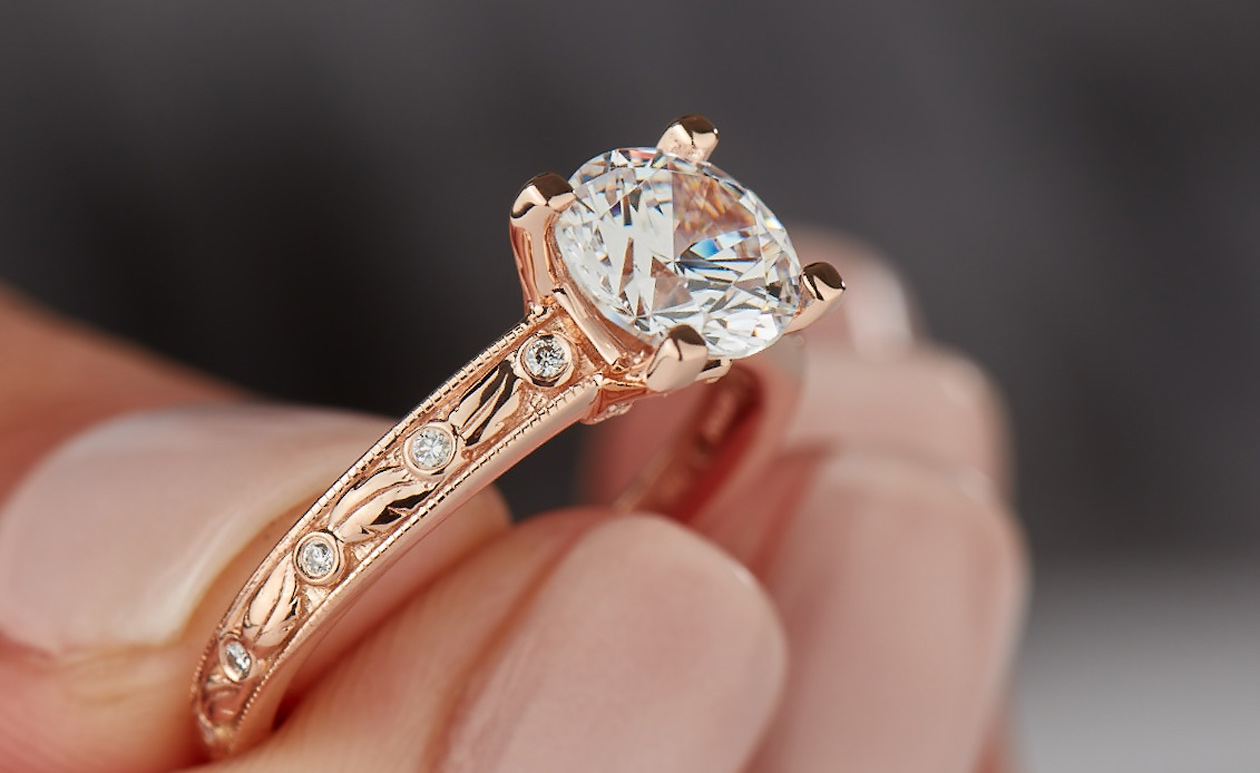 Top Benefits of Getting a Customized Engagement Ring