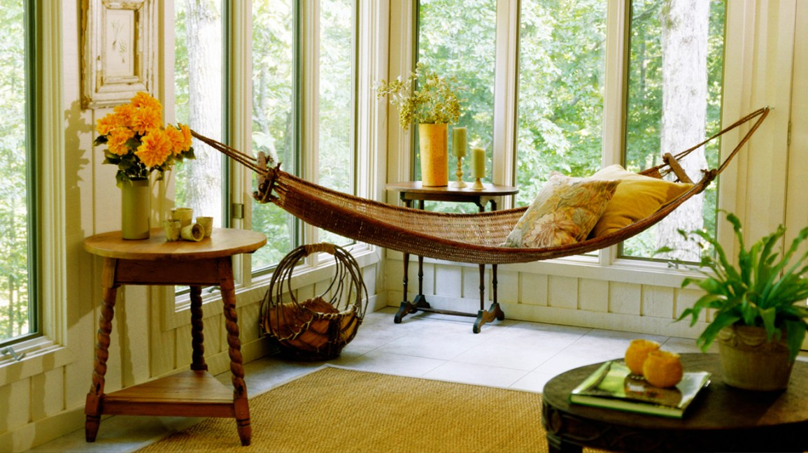 A Relaxed Swinging Couch